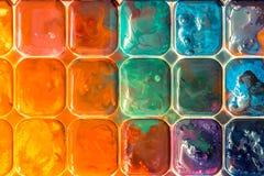 Η δημιουργική ζωηρόχρωμη τέχνη χρωματίζει το ζωηρόχρωμο υπόβαθρο Στοκ φωτογραφία με δικαίωμα ελεύθερης χρήσης