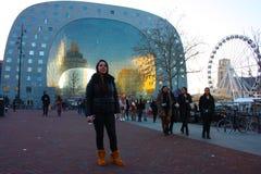 Η διάσημη αγορά στην καρδιά της μεγάλης πόλης του Ρότερνταμ, μια ολλανδική μητρόπολη στοκ εικόνα