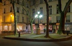 Η διάσημη θέση de Furstenberg τη νύχτα, Παρίσι, Γαλλία στοκ εικόνες με δικαίωμα ελεύθερης χρήσης