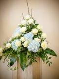 Η διακόσμηση λουλουδιών στην εκκλησία Στοκ Εικόνες