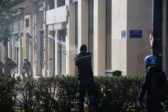 Η διαμαρτυρία αντι-αυστηρότητας στις άκρες της Αθήνας με τη δευτερεύουσα κλίμακα διαφωνεί στοκ φωτογραφίες
