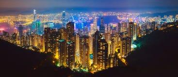 Η διασημότερη άποψη του Χονγκ Κονγκ στο ηλιοβασίλεμα λυκόφατος Άποψη εικονικής παράστασης πόλης οριζόντων ουρανοξυστών Χονγκ Κονγ στοκ φωτογραφία