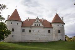 Η διαταγή Castle Livonia χτίστηκε στο μέσο του 15ου αιώνα Μπαούσκα Λετονία το φθινόπωρο Στοκ Φωτογραφίες