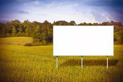 Η διαφήμιση του πίνακα διαφημίσεων ενημερώνει την κατασκευή ενός νέου κατοίκου στοκ εικόνες
