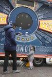 η διαφημιστική επιχείρηση ` Star Wars ` κοντά στον κήπο Covent Οι ανεμιστήρες θέτουν Στοκ Φωτογραφία