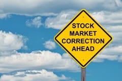 Η διόρθωση χρηματιστηρίου προειδοποιεί μπροστά το σημάδι στοκ εικόνες
