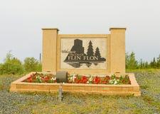 Η είσοδος σε μια πόλη στο βόρειο Saskatchewan στοκ εικόνες