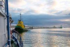Η είσοδος στο λιμένα αλιείας Στοκ φωτογραφία με δικαίωμα ελεύθερης χρήσης
