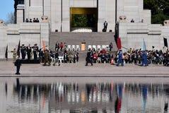 Η εθνική επιφύλαξη αναγκάζει την παρέλαση ημέρας στο μνημείο ANZAC Στοκ Εικόνες