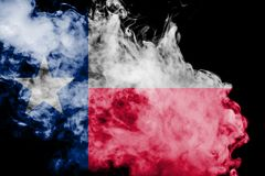 Η εθνική σημαία των ΗΠΑ δηλώνει το Τέξας μέσα ενάντια σε έναν γκρίζο καπνό την ημέρα της ανεξαρτησίας στα διαφορετικά χρώματα μπλ απεικόνιση αποθεμάτων