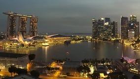 Η εικονική παράσταση πόλης της Σιγκαπούρης με τον κόλπο μαρινών στρώνει με άμμο το ξενοδοχείο απόθεμα βίντεο