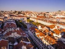 Η εικονική παράσταση πόλης της Λισσαβώνας, Πορτογαλία, που βλέπει από Portas κάνει το κολλοειδές διάλυμα, Στοκ φωτογραφίες με δικαίωμα ελεύθερης χρήσης