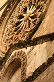 η εκκλησία αυξήθηκε παράθυρο Στοκ φωτογραφία με δικαίωμα ελεύθερης χρήσης