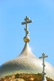 η εκκλησία διασχίζει το&up Στοκ φωτογραφία με δικαίωμα ελεύθερης χρήσης