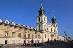 Η εκκλησία του ιερού σταυρού στο κεντρικό για τους πεζούς προάστιο της Κρακοβίας οδών στοκ φωτογραφίες με δικαίωμα ελεύθερης χρήσης
