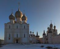η εκκλησία καλύπτει ορθό&d Στοκ Εικόνες