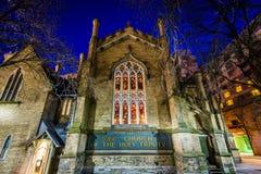 Η εκκλησία της ιερής τριάδας τη νύχτα, στο Τορόντο, Οντάριο Στοκ Εικόνα
