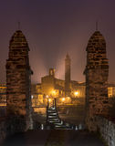 Η εκκλησία της πόλης Bobbio τή νύχτα, Ιταλία Στοκ Εικόνες