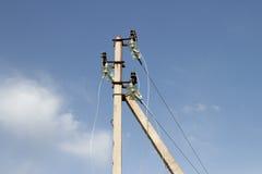 ηλεκτρικά καλώδια πόλων Στοκ φωτογραφία με δικαίωμα ελεύθερης χρήσης