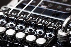 Ηλεκτρικά μέρη κιθάρων, tremolo Στοκ φωτογραφία με δικαίωμα ελεύθερης χρήσης