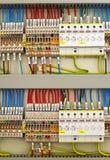 Ηλεκτρικά τερματικά και καλώδια Στοκ εικόνα με δικαίωμα ελεύθερης χρήσης