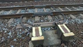Ηλεκτρικές συσκευές στις γραμμές σιδηροδρόμων απόθεμα βίντεο