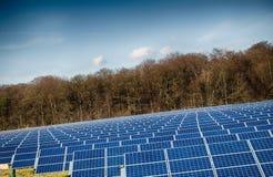 Ηλεκτρική ενέργεια ηλιακών πλαισίων Στοκ Εικόνα