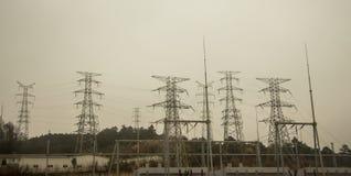 Ηλεκτρική ενέργεια υψηλής τάσης Στοκ εικόνα με δικαίωμα ελεύθερης χρήσης