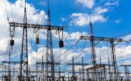 ηλεκτρική υψηλή τάση πύργων Έννοια δύναμης Στοκ φωτογραφία με δικαίωμα ελεύθερης χρήσης