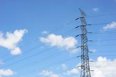 ηλεκτρική υψηλή τάση πύργων Στοκ φωτογραφία με δικαίωμα ελεύθερης χρήσης