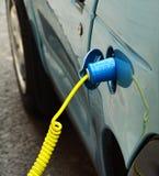 Ηλεκτρική χρέωση αυτοκινήτων Στοκ εικόνα με δικαίωμα ελεύθερης χρήσης