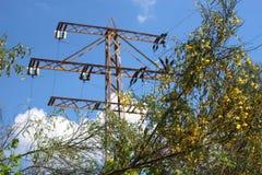 ηλεκτρικοί πυλώνες ισχύ&omi Στοκ Εικόνα