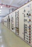 Ηλεκτρικός θάλαμος ελέγχου τάσης εγκαταστάσεων παραγωγής ενέργειας Στοκ φωτογραφία με δικαίωμα ελεύθερης χρήσης