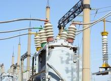 Ηλεκτρικός υποσταθμός υψηλής τάσης στοκ εικόνα