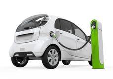 Ηλεκτρικό αυτοκίνητο στο σταθμό χρέωσης Στοκ Φωτογραφίες