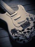 ηλεκτρικό λευκό κιθάρων Στοκ φωτογραφίες με δικαίωμα ελεύθερης χρήσης