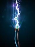 Ηλεκτρικό καλώδιο με την καμμένος αστραπή ηλεκτρικής ενέργειας Στοκ εικόνα με δικαίωμα ελεύθερης χρήσης