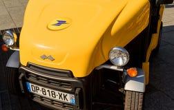 Ηλεκτρικό μετα φορτηγό μικροϋπολογιστών παράδοσης αυτοκινήτων Στοκ φωτογραφία με δικαίωμα ελεύθερης χρήσης