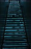 Ηλεκτρικό μπλε stairwell Στοκ εικόνα με δικαίωμα ελεύθερης χρήσης