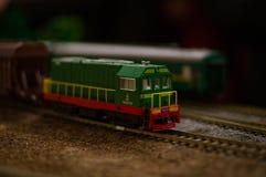 Ηλεκτρικό παιχνίδι τραίνων, διαμόρφωση σιδηροδρομικών μεταφορών στοκ εικόνα