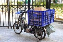 Ηλεκτρικό ποδήλατο της σαφούς παράδοσης Στοκ εικόνα με δικαίωμα ελεύθερης χρήσης