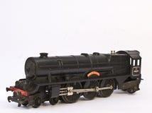 Ηλεκτρικό πρότυπο τραίνο παιχνιδιών στο άσπρο υπόβαθρο Στοκ Εικόνες
