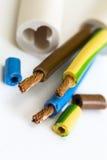 Ηλεκτρικό σκοινί χαλκού τρεις-πυρήνων στοκ εικόνες