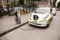 Ηλεκτρικό ταξί της Nissan Στοκ φωτογραφία με δικαίωμα ελεύθερης χρήσης