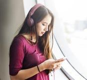 Ηλεκτρονική έννοια Playlist μουσικής Enjoyent ακουστικών Στοκ Φωτογραφία