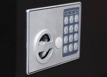 Ηλεκτρονικό εγχώριο ασφαλές αριθμητικό πληκτρολόγιο, μικρό σπίτι ή χρηματοκιβώτιο τοίχων ξενοδοχείων με το αριθμητικό πληκτρολόγι Στοκ εικόνες με δικαίωμα ελεύθερης χρήσης
