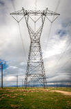 Ηλεκτροφόρα καλώδια υψηλής τάσης Στοκ εικόνες με δικαίωμα ελεύθερης χρήσης