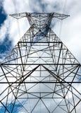 Ηλεκτροφόρα καλώδια υψηλής τάσης Στοκ Φωτογραφίες