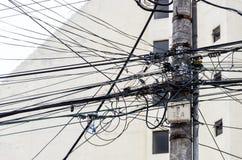 ηλεκτρολογική βιομηχανική εργασία παροχής ηλεκτρικού ρεύματος κατασκευής Στοκ φωτογραφία με δικαίωμα ελεύθερης χρήσης