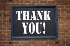 Η εννοιολογική έμπνευση τίτλων κειμένων γραψίματος χεριών που παρουσιάζει ανακοίνωση σας ευχαριστεί Η επιχειρησιακή έννοια για το Στοκ φωτογραφία με δικαίωμα ελεύθερης χρήσης